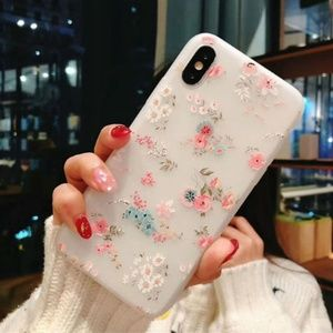 Accessories - NEW iPhone 6+/7+/8+ Floral Case